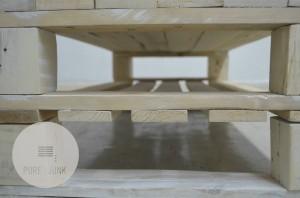 paletovy stolik