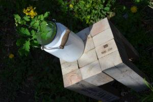 Drevený stolček