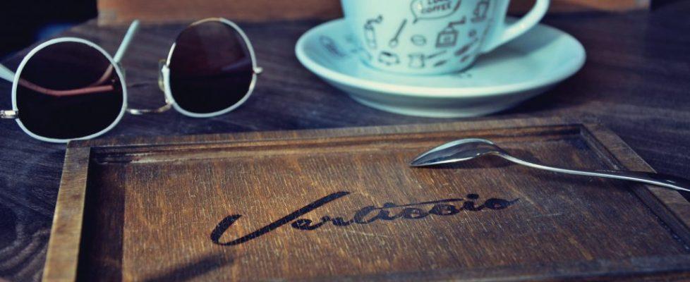 tacka pod kavu
