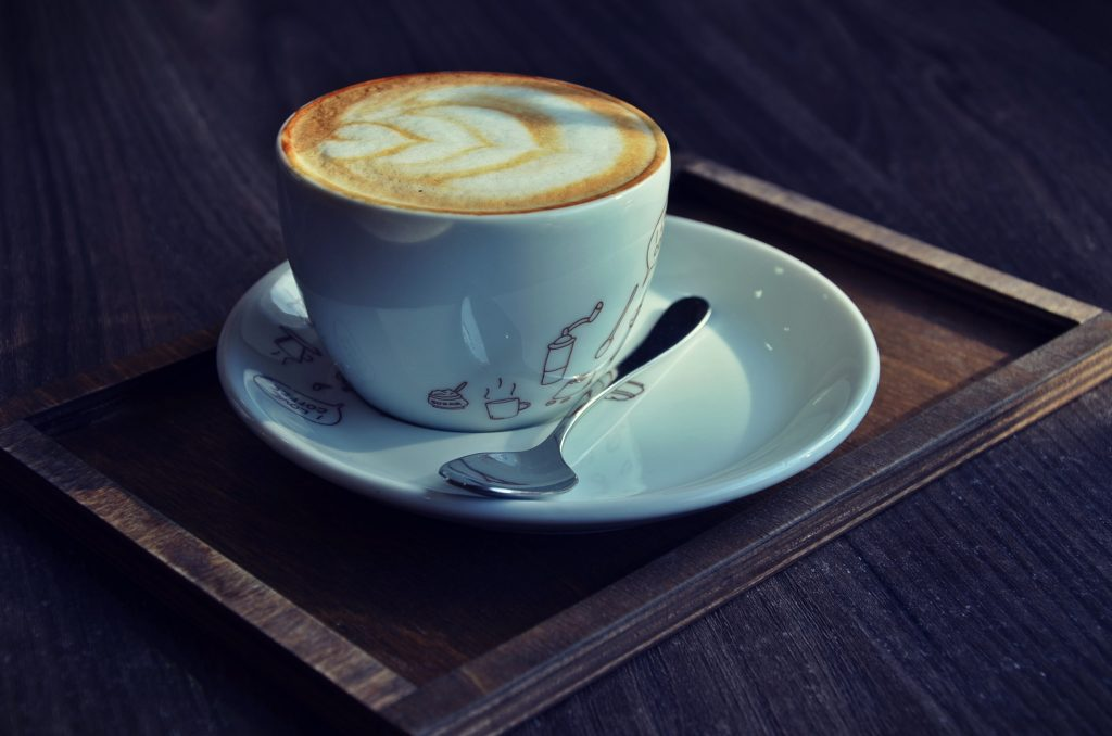tacky pod kavu